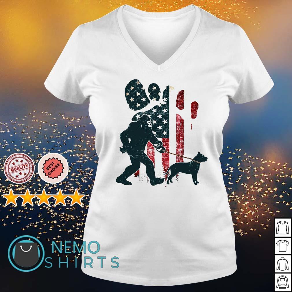 Bigfoot walking pitbull silhouette American flag dog s v-neck-t-shirt