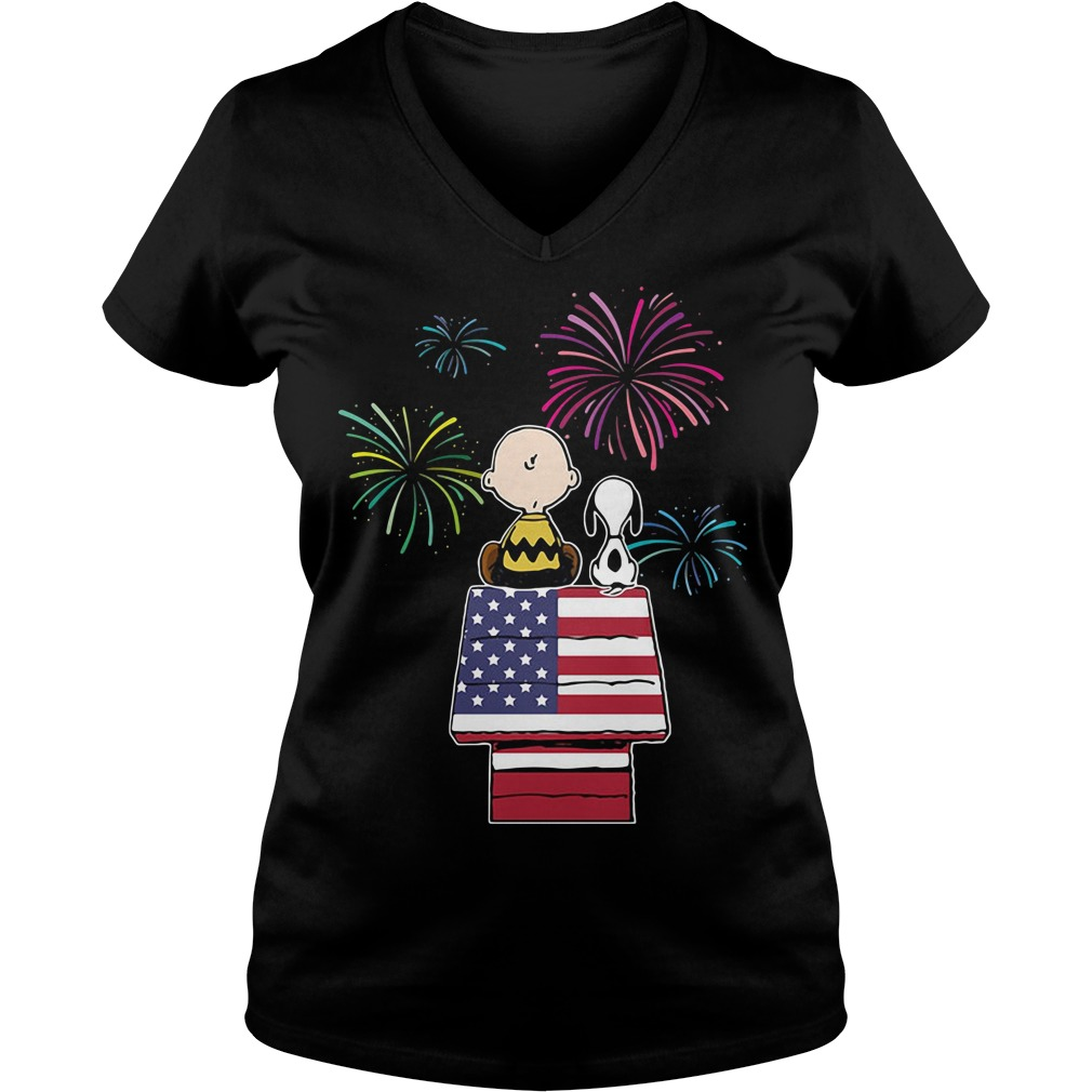 Snoopy and Charlie Brown American Flag House Independence Day V-neck t-shirt