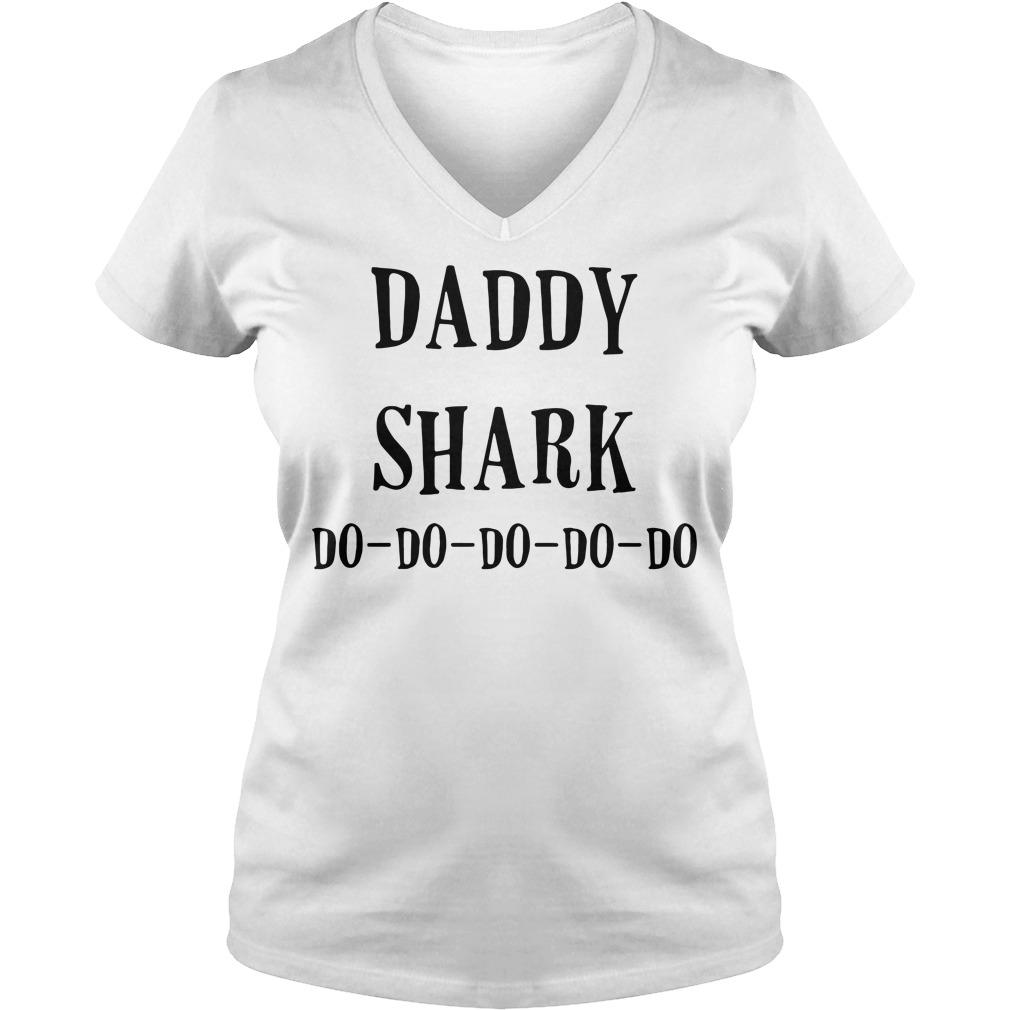 Daddy shark do-do-do-do-do V-neck T-shirt