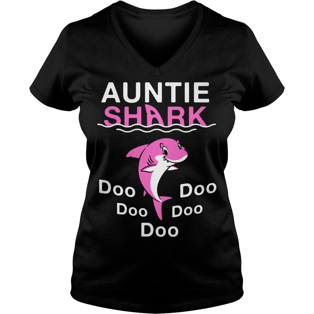 Auntie shark do-do-do-do-do V-neck T-shirt