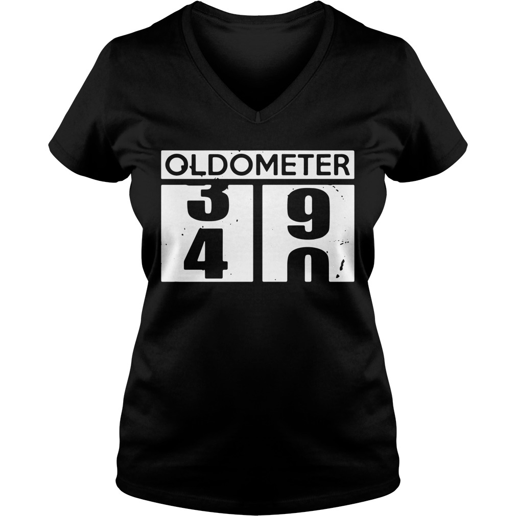Oldometer 39 40 funny birthday V-neck t-shirt