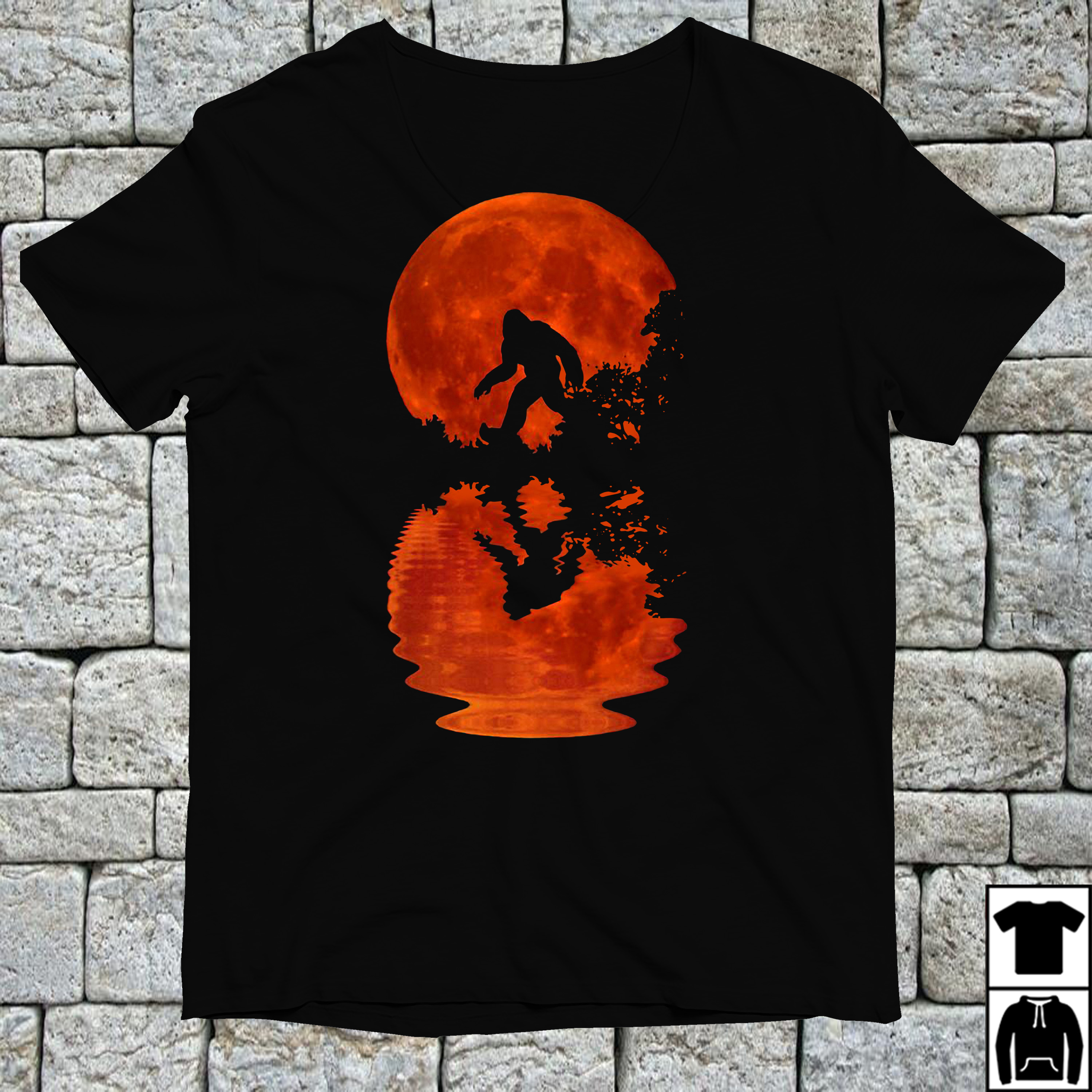 Bigfoot sasquatch full moon shirt