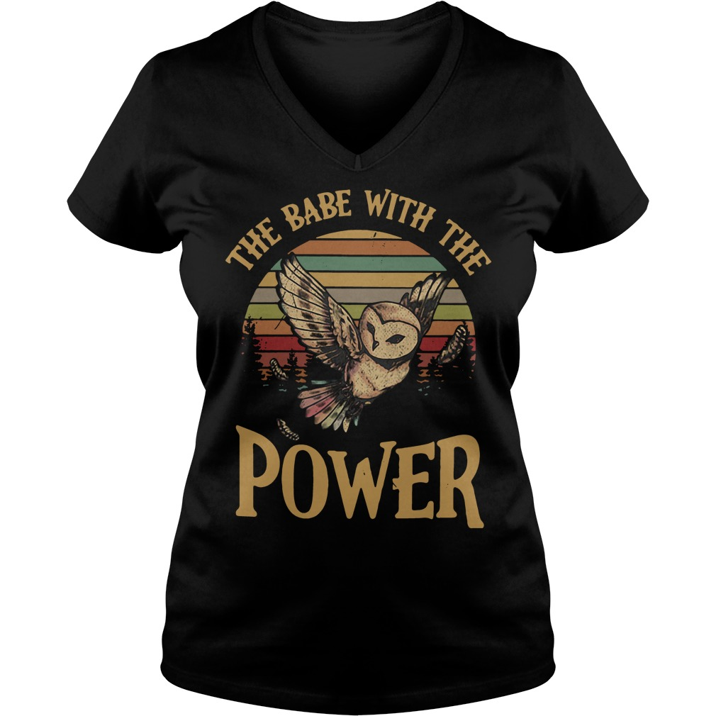 Owl The babe with the power V-neck T-shirt