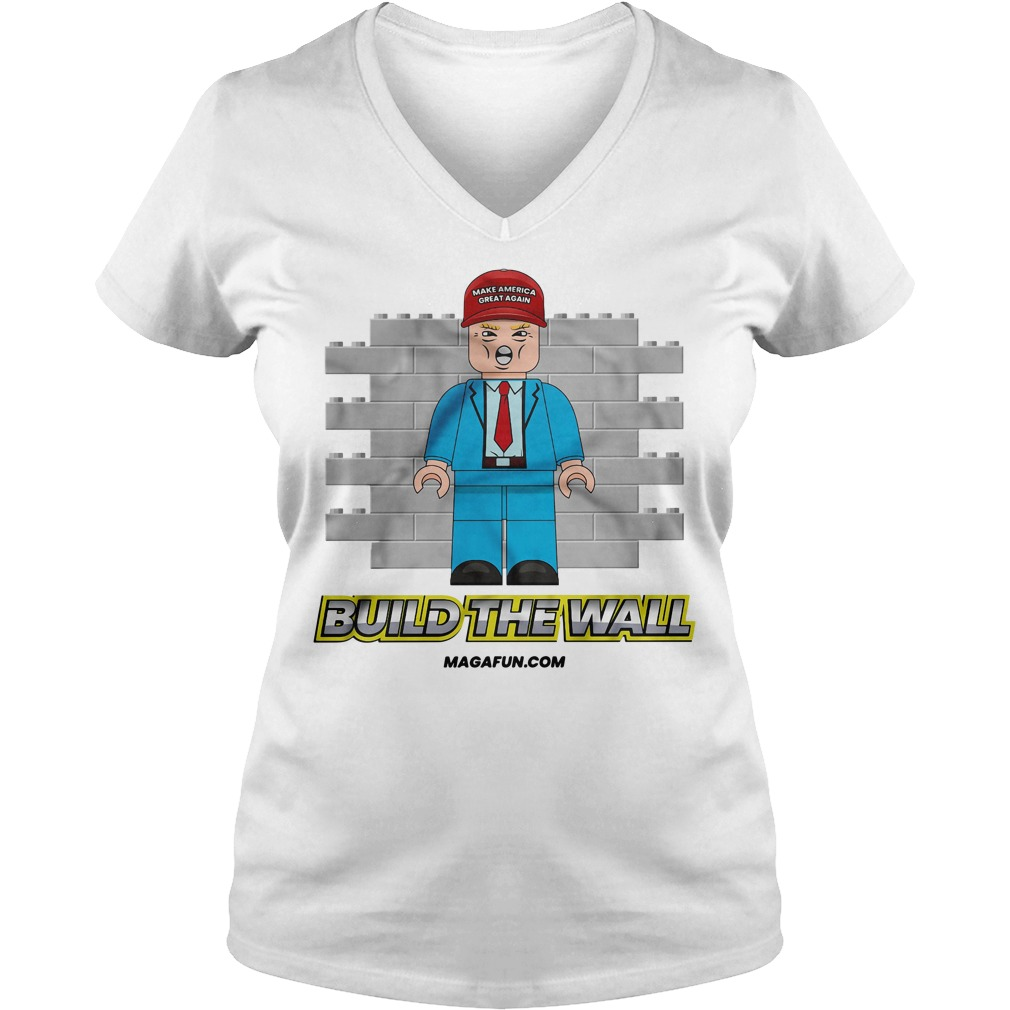 Trump make America great again build the wall V-neck T-shirt