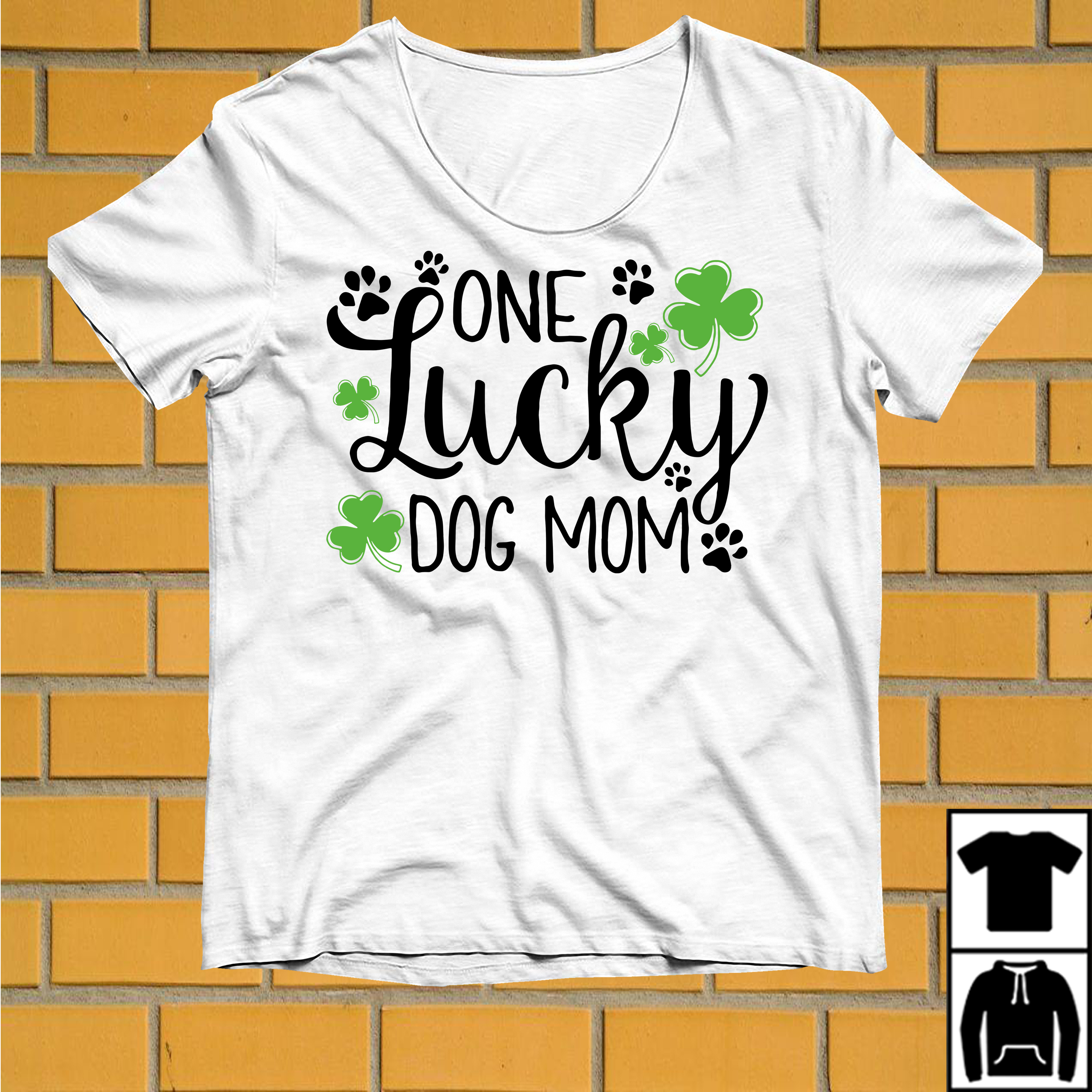 One Lucky dog mom St Patrick's day shirt