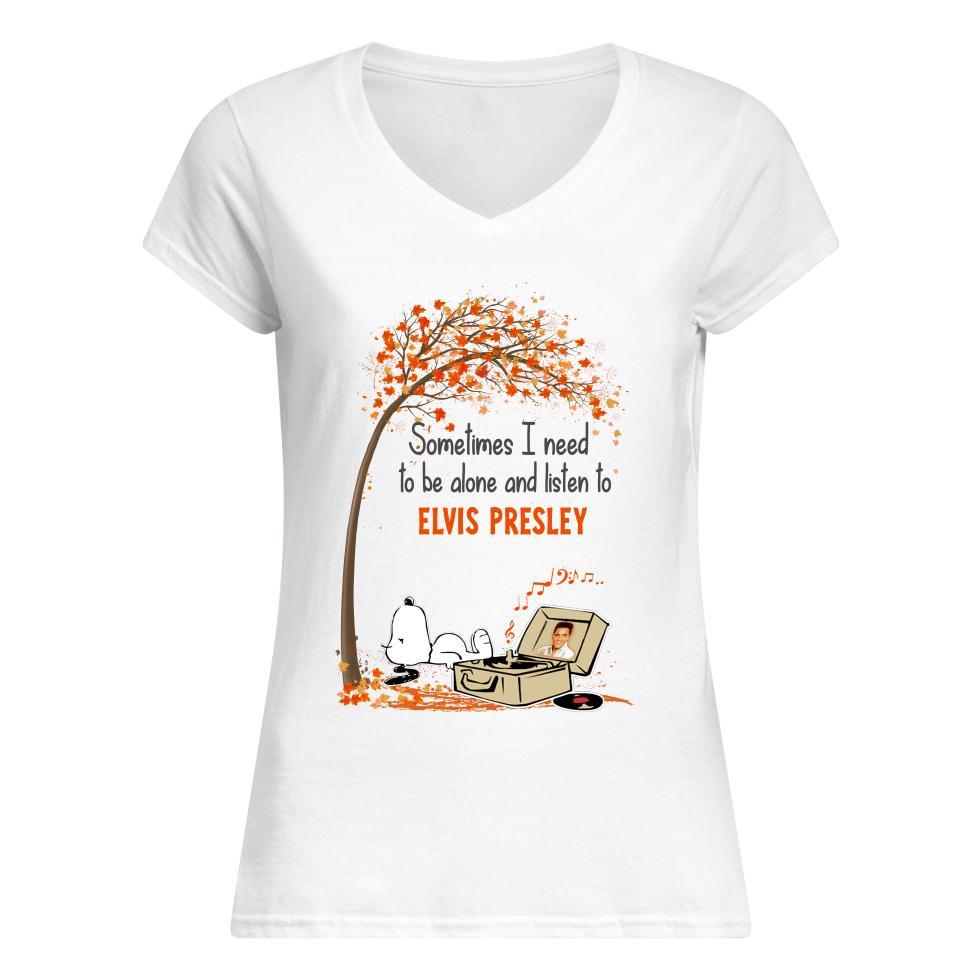 Snoopy sometimes I need to be alone and listen to Elvis Presley V-neck t-shirt