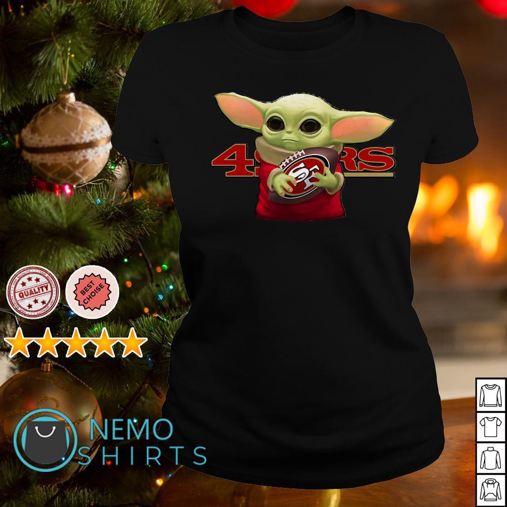 Baby Yoda Hug San Francisco 49ers Shirt Chuot Sun Rang